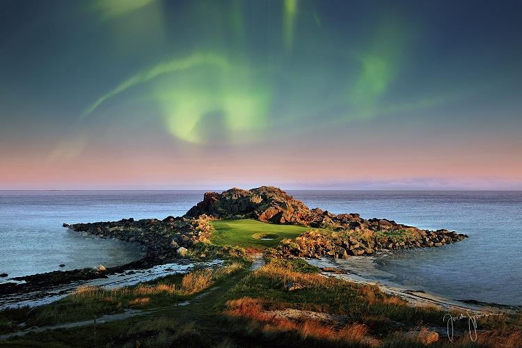 golfe na aurora boreal