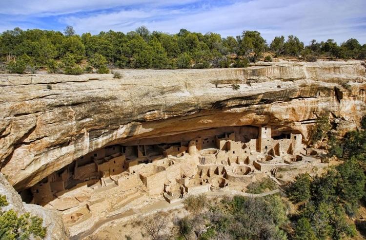 Mesa-Verde-Caves