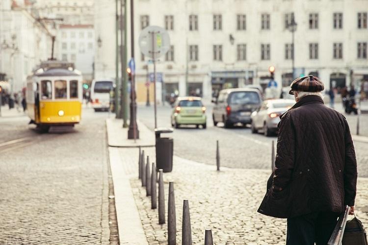Visto D7: aposentados podem pedir permissão para morar em Portugal