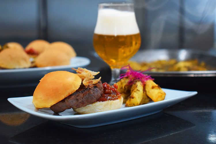 No dia do Hambúrguer trouxemos uma receita com inspiração Asiática