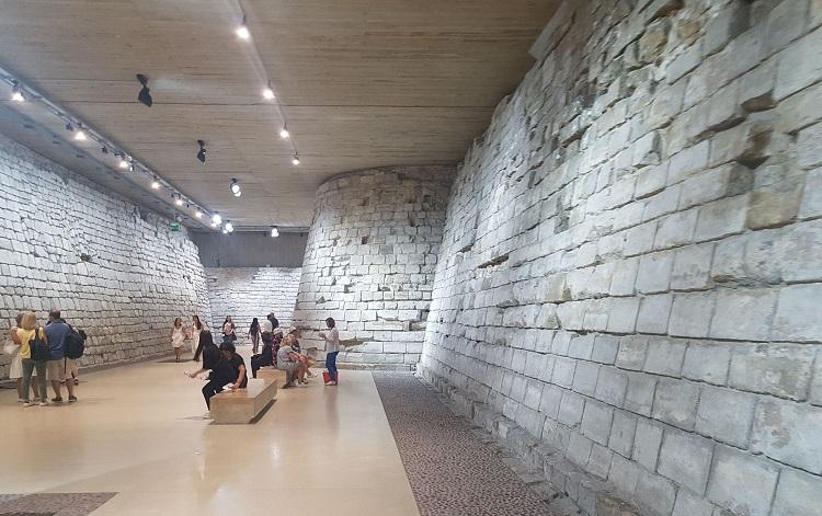 Visitando e conhecendo a História do Museu do Louvre 12