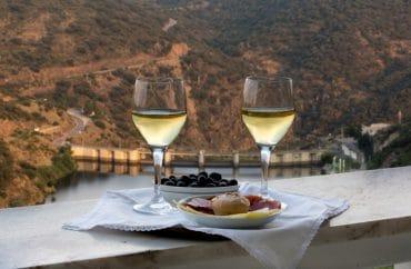 Conheça a lagoa furada na Serra da Estrela