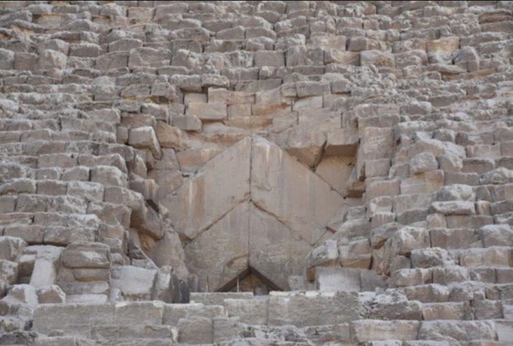 pirâmides do Egito por dentro