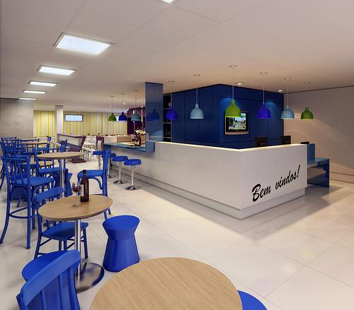 A recepção é integrada ao lounge.