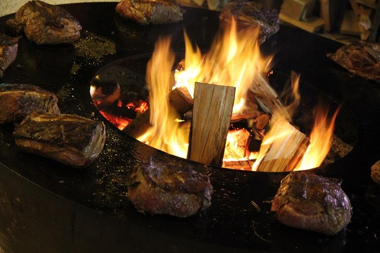 """""""Feuerring"""" – churrasco suíço. Foto: Eduardo Madeira"""
