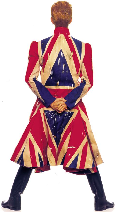 Casaco desenhado por Jack Alexander McQueen em colaboração com David Bowie