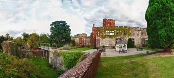 Castelo Ruthin, Denbighshire - País de Gale