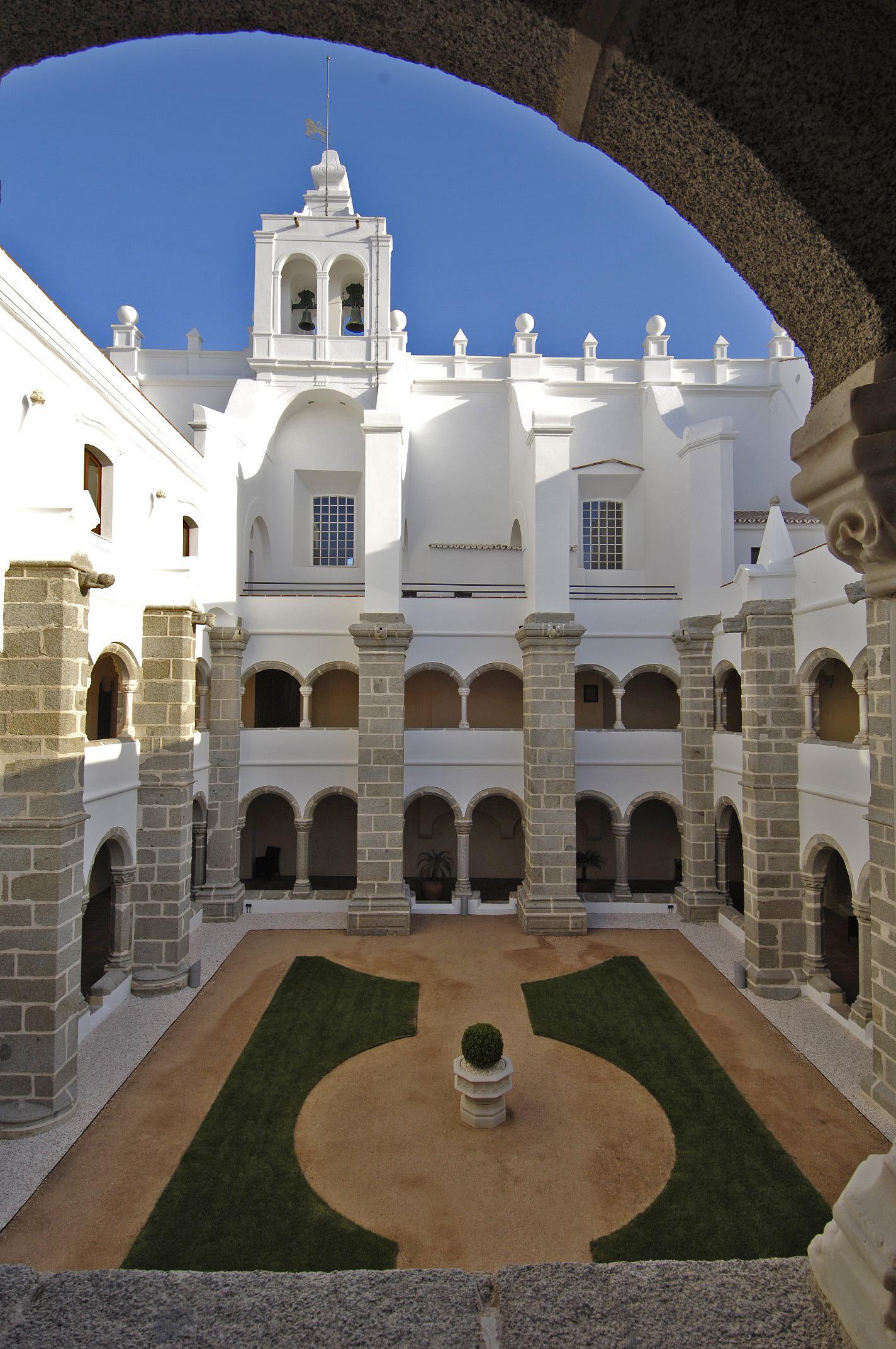 Claustros - Convento do Espinheiro