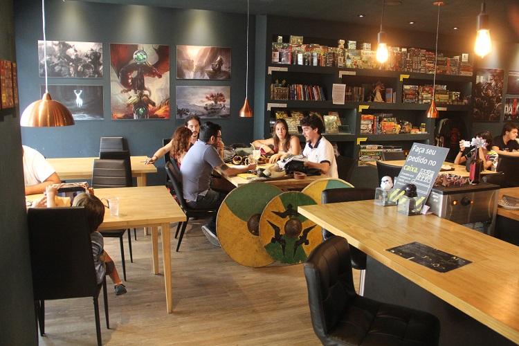 dicen-roll-coffee-tales-1