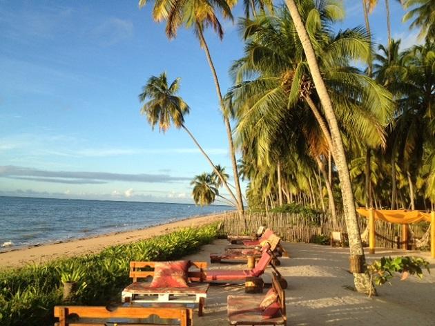 Espreguicadeiras na Vila do Patacho, Praia do Patacho, Alagoas