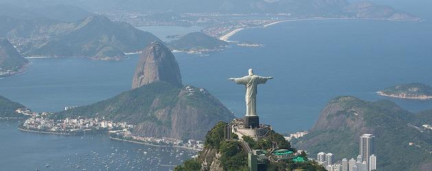 Estátua do Cristo Redentor e os morros da Urca e Pão de Açúcar - Rio de Janeiro - Brasil - Foto: Fernando Maia