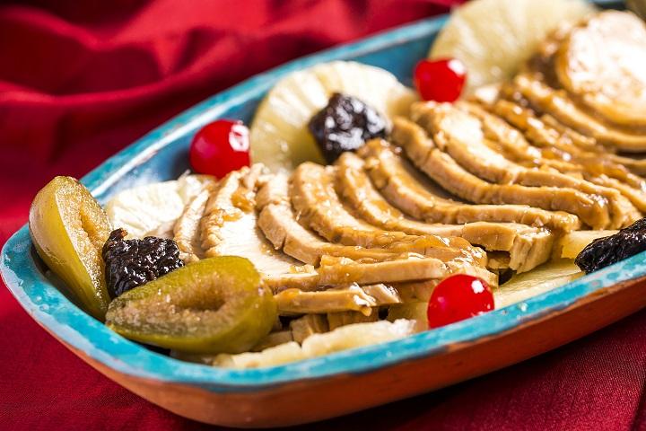 Peru com frutas em calda. Foto: Filico