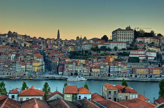 Fotos de João Paulo Andrade, que fotografa sua cidade, a Cidade do Porto, em Portugal