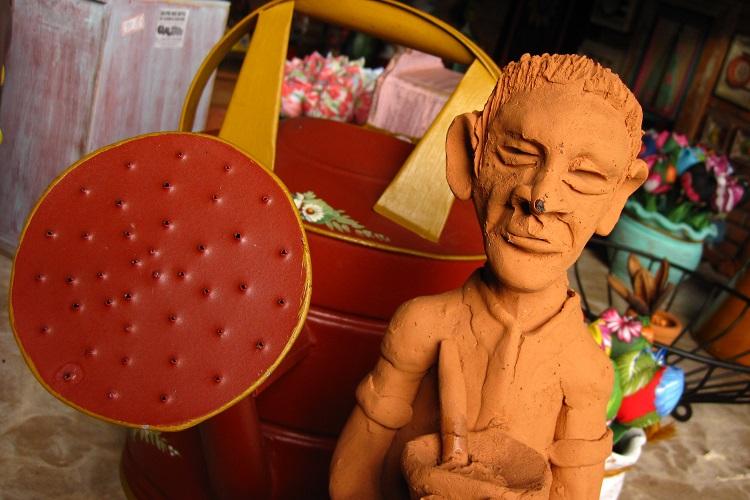 As artes do mestre Cilso Aparecido Tibúrcio, uma referência do artesanato em Mato Grosso do Sul