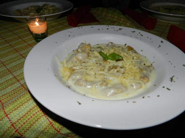 Gnocchi do Cerrado - feito de mandioca e perfumado de pequi