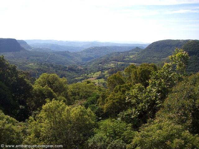 Estrada entre Gramado e Canela