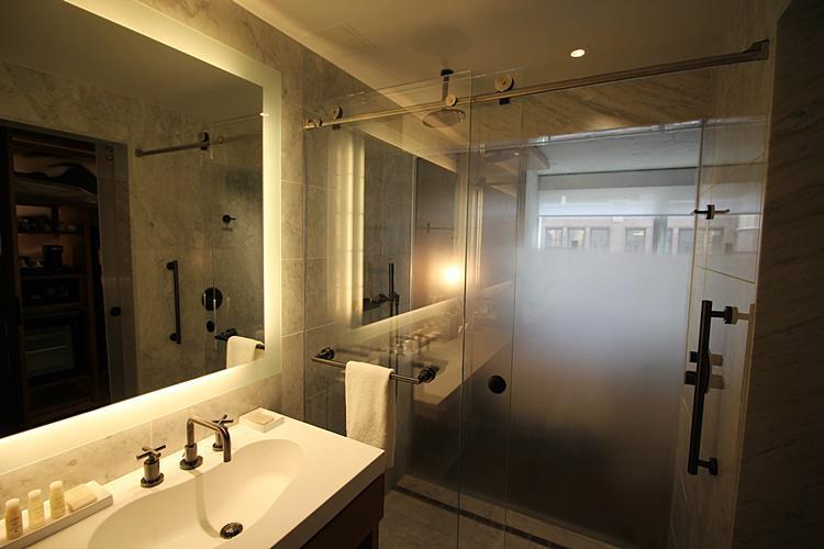 hotel-renaissance-new-york-midtown-2