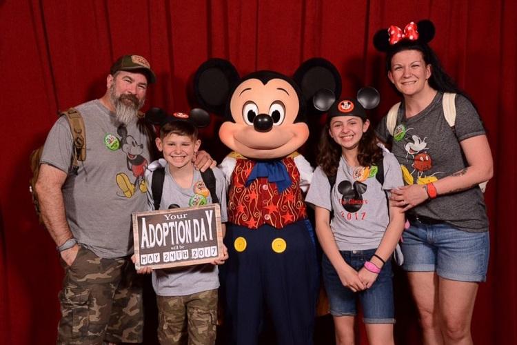 Disney: crianças se emocionam ao saberem que estavam sendo adotadas 2