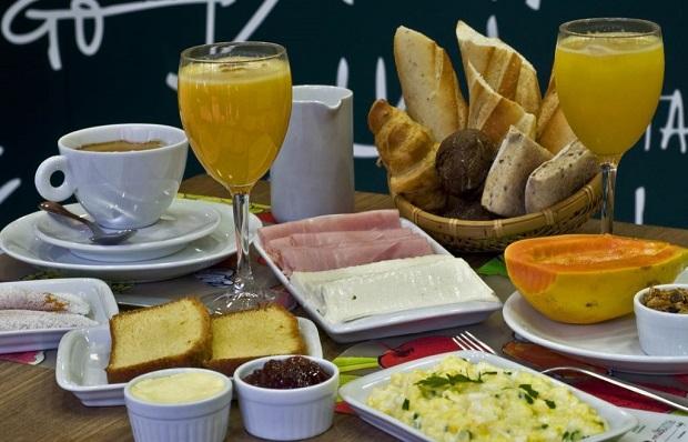 Mil Frutas_Café da Manhã_Adriana Lorete