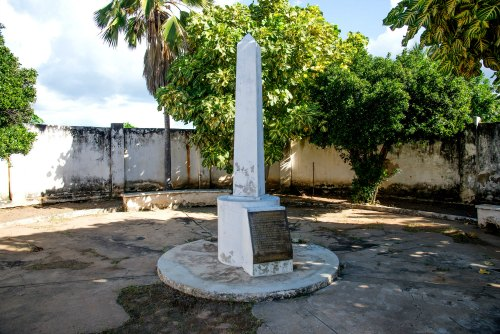 Monumento_Obelisco_martires_AntonioDavid