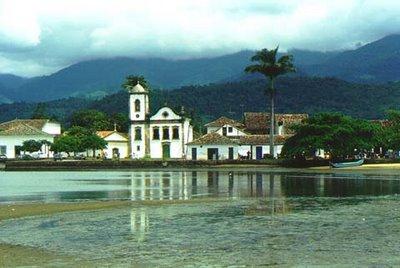 Paraty-Casario-Praia-Lau-Polinésio