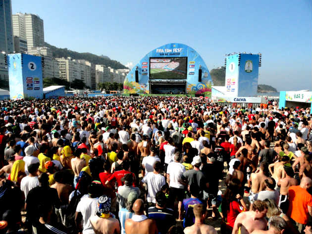 Portugueses na Fifa Fan Fest. Foto: Embarque na Viagem