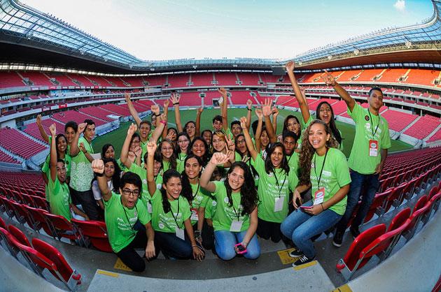 Alunos do Projeto Ganhe o Mundo que participaram como voluntários na BNTM 2014. Foto: Flávio Japa / Exclusiva!BR