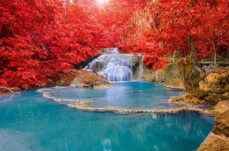 Queda de água Tailândia Parque Erawan waterfall Naturaleza
