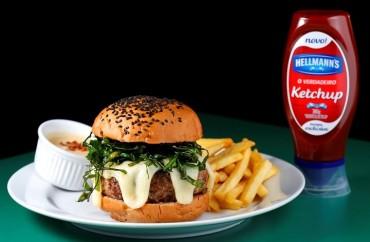 Botequim Informal. Hamburger para o festival. Foto: Fabio Rossi