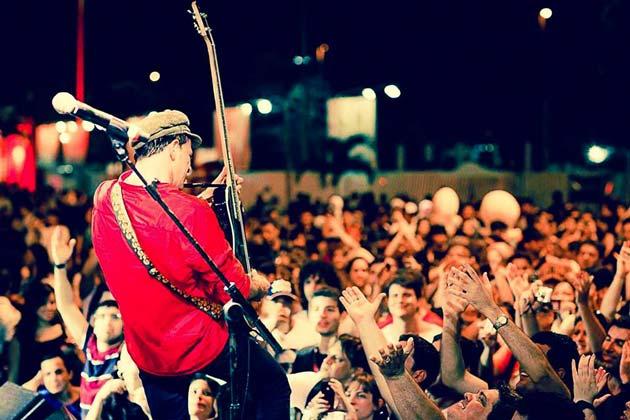 Rodrigo Santos(Barão Vermelho) um dos melhores instrumentistas do Rock Nacional, vem ao Recife para junto com George Israel, homenagear Cazuza no Recife Blues & Jazz Festival
