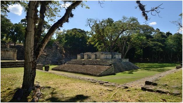 Ruinas do Antigo templo Maia