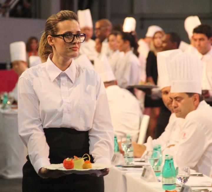 Apresentação dos pratos aos jurados