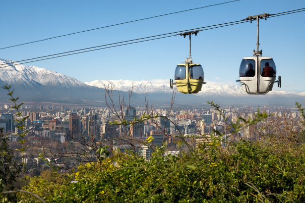 Santiago, capital do Chile, é opção para quem deseja aproveitar belas paisagens e impecável gastronomia