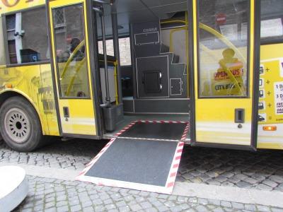 Suporte para cadeirante para ônibus1