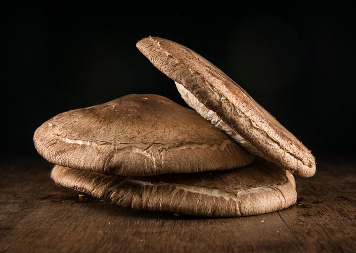 O shiitake do hambúrguer. Foto: Tomás Rangel