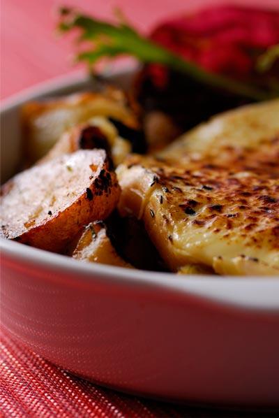 Tarteflette (batata, cebola e queijo reblochon)
