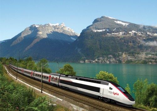 Trem de alta velocidade TGV Lyria percorre a região de Interlaken, na Suíça_Crëdito Rail Europe 500