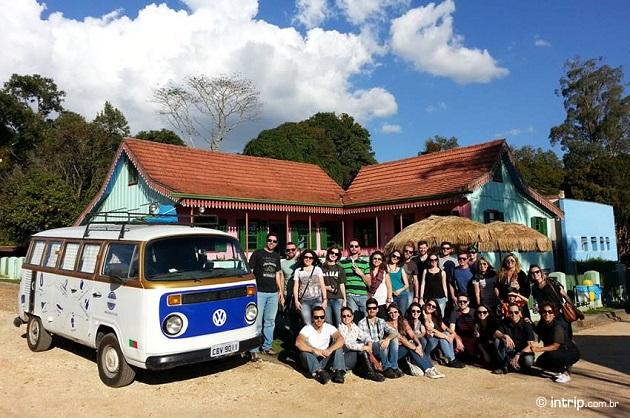 Vários blogueiros de viagem reunidos para curtir a primeira parada da Walentina em Curitiba