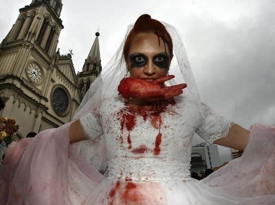 Zumbis, monstros e múmias à solta em Curitiba. Foto: Priscila Forone - Gazeta do Povo