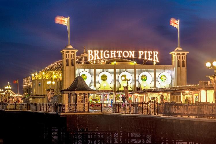 brighton-pier-at-night-sussex-england-uk-shutterstock_232198402-2