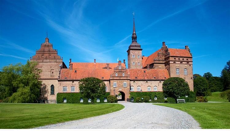 castle_nyborg_denmark_europe_historic
