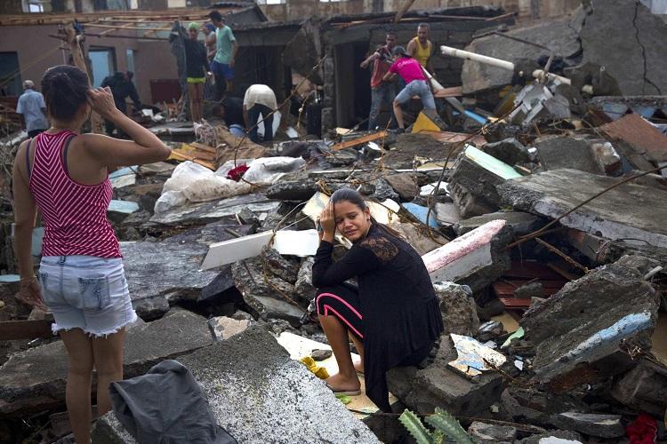 Os efeitos do furacão ainda podem ser sentidos na infraestrutura, assim como nas casas de muitas pessoas, que permaneceram significantemente comprometidas.