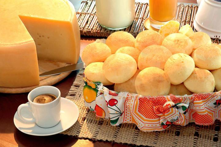 paes-de-queijo