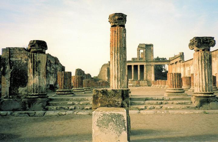 pompei-ruins-751680_1280