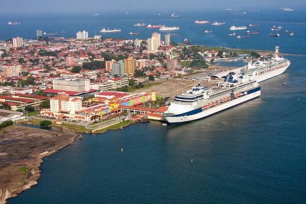Ferry boat faz viagens diretas do Panamá à Colômbia