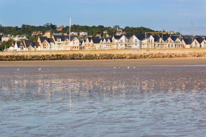 shutterstock_Colorful buildings on the seashore in Deauville, Normandy, France