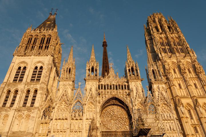 shutterstock_Famous Notre-Dame de Rouen cathedral at twilight