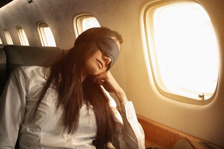5 dicas para dormir bem no avião 1