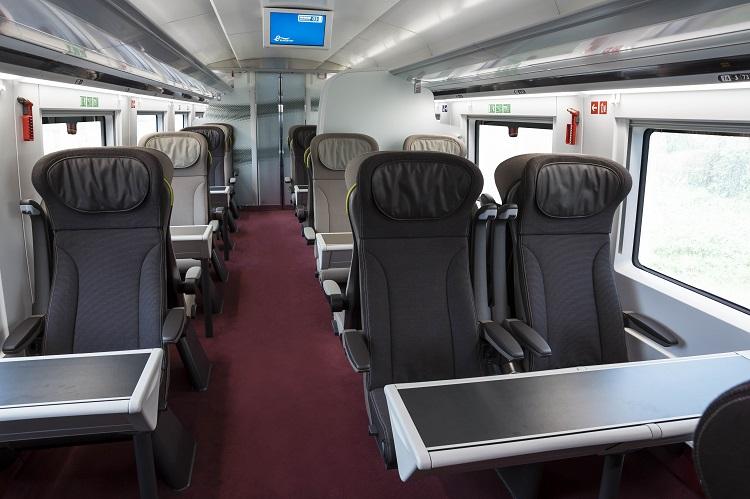 trem-interior